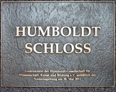 Gedenktafel am Humboldt-Schloss Burgrner